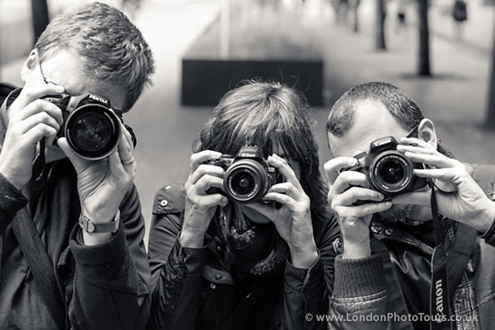 Photography Courses London - Students with londonphototours